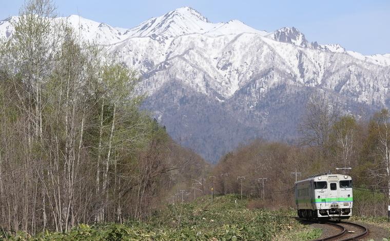 残雪の芦別岳1