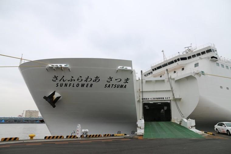乗船中に電気自動車への充電が可能1