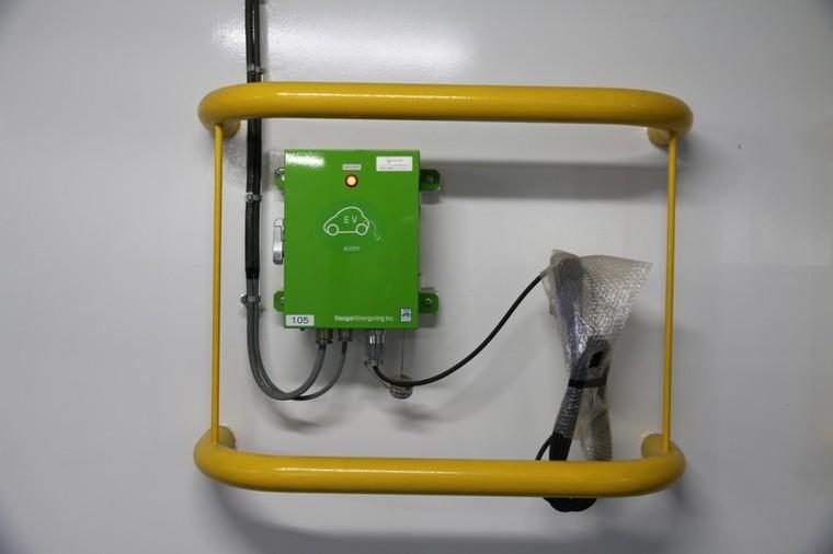 乗船中に電気自動車への充電が可能3