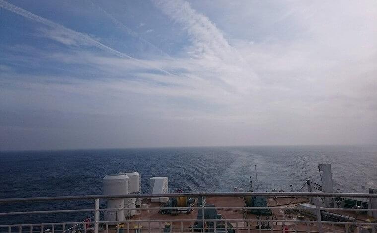 時間がかかるからこそ船旅にはロマンがある1