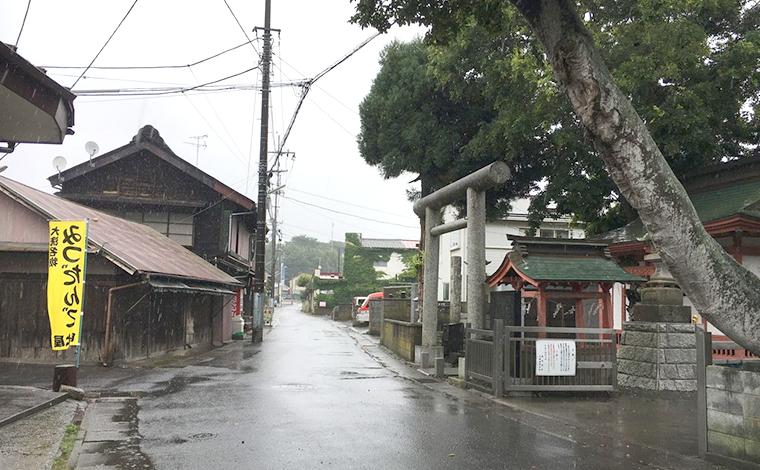 旅の神様「道祖神社」と、名物「みつだんご」2