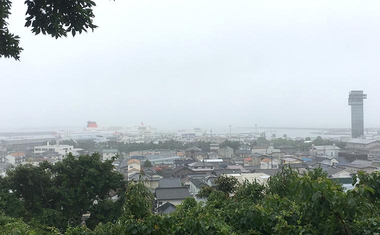 「磯浜古墳群」と「海防陣屋跡」から港を望む3