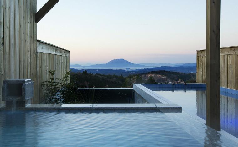 桜島を眺めながら浸かれる露天風呂温泉「天テラス」3