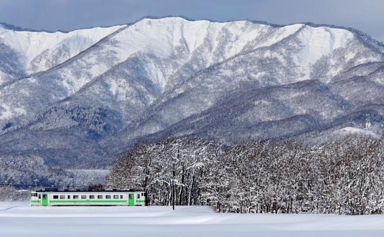 雪晴れの樺戸連山1