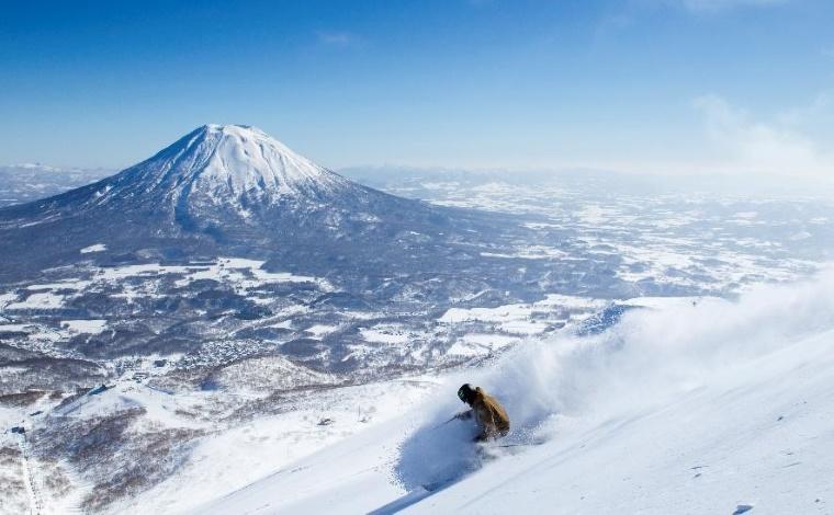 海外スキーヤーにも人気の「ニセコマウンテンリゾート グラン・ヒラフ」1