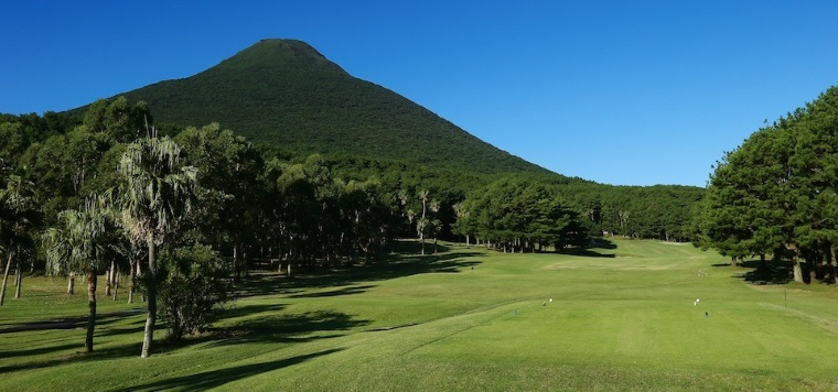 数々のトーナメント開催で知られる 「いぶすきゴルフクラブ」1