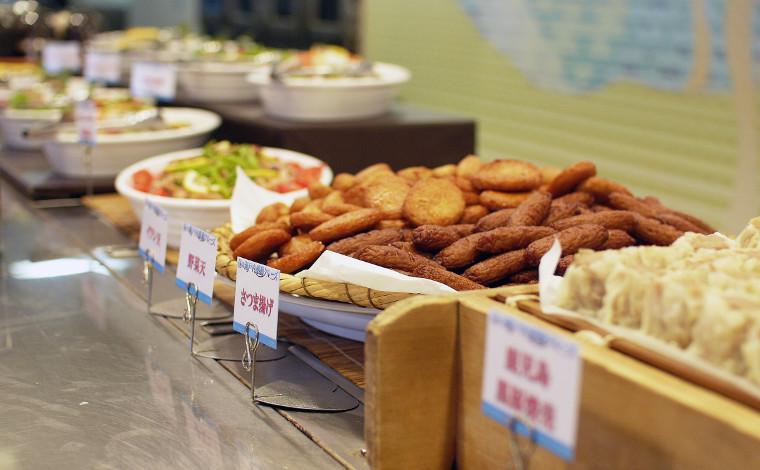レストランで九州・北海道のご当地グルメを楽しもう!2