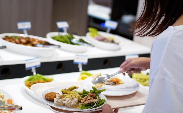 レストランで九州・北海道のご当地グルメを楽しもう!7