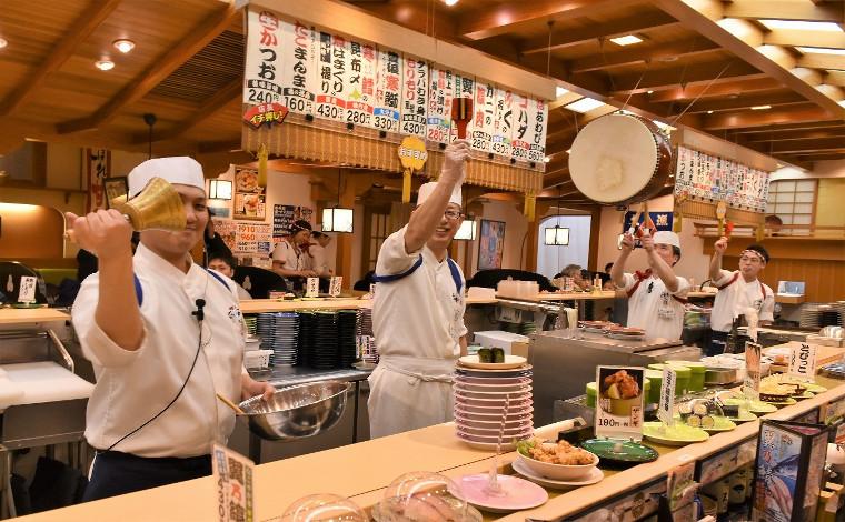 「回転寿司 なごやか亭」 こぼれいくらが有名な釧路生まれのお店5