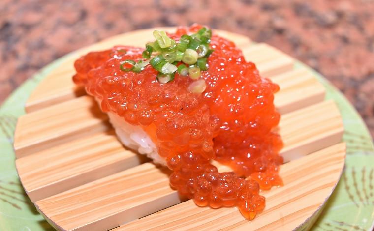 「回転寿司 根室花まる」 ネタも店内も根室の味にこだわる!5