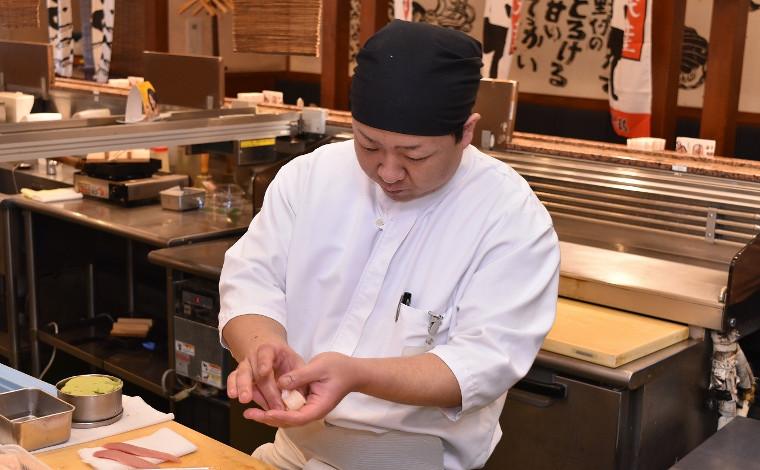 「回転寿司 根室花まる」 ネタも店内も根室の味にこだわる!10