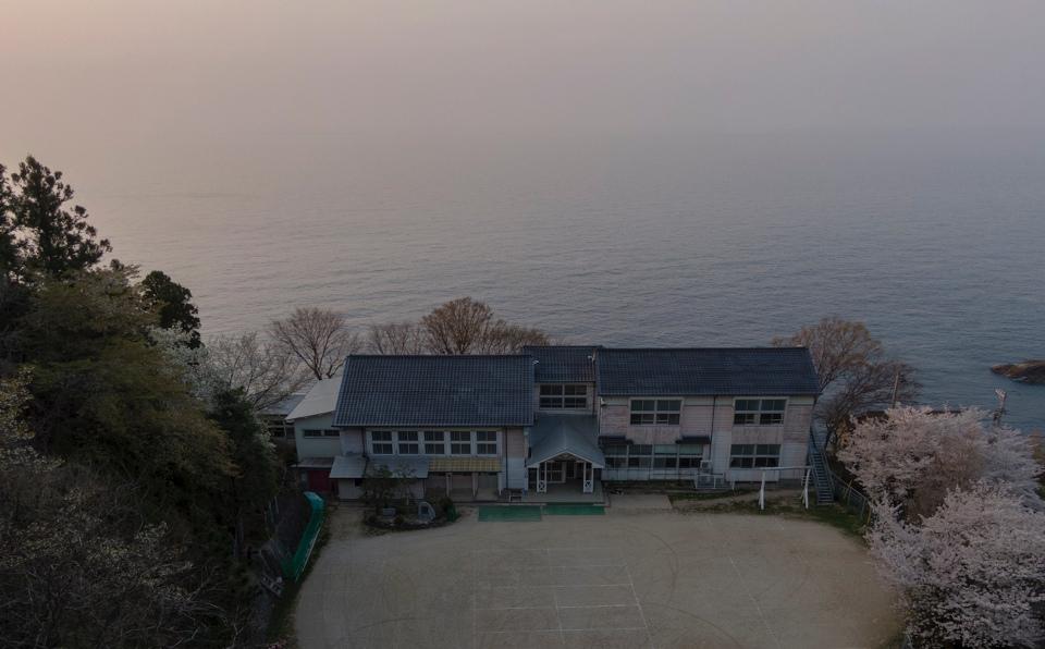 Vol.11 虹からひまわりへ#2 日本海を去った「白い船」