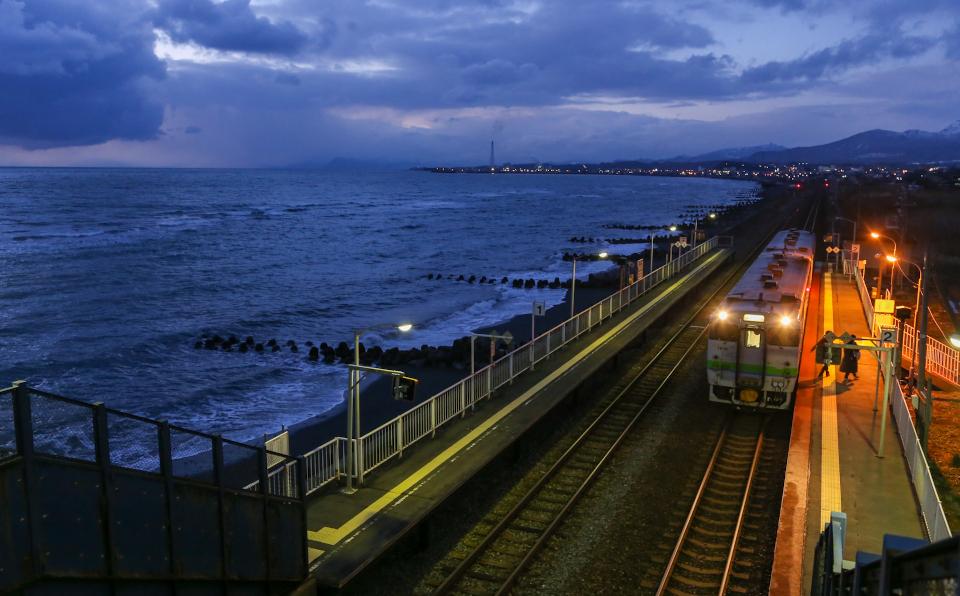 Vol.6 沈みゆく夕陽、美しき大地の鉄路