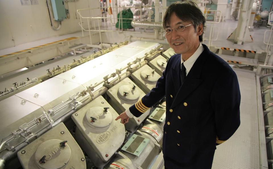 船のエンジンや発電機のトラブルを予防し、安心・安全で快適な船内環境を届け続ける機関長