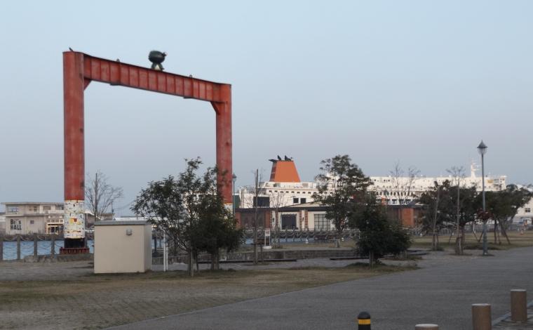 かんたん港園に残る、ダイヤモンドフェリー・関西汽船乗り場の痕跡