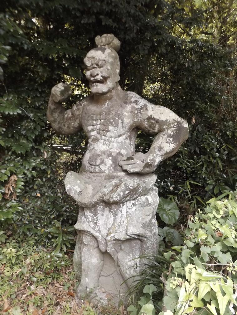 大慈寺門前の仁王像