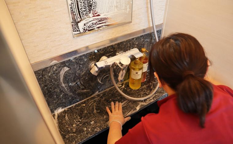 展望大浴場の洗面台は毎日清掃