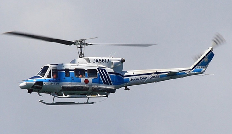 海上保安庁のヘリコプター「こはくちょう」。